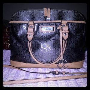 Calvin Klein shoulder purse w long strap